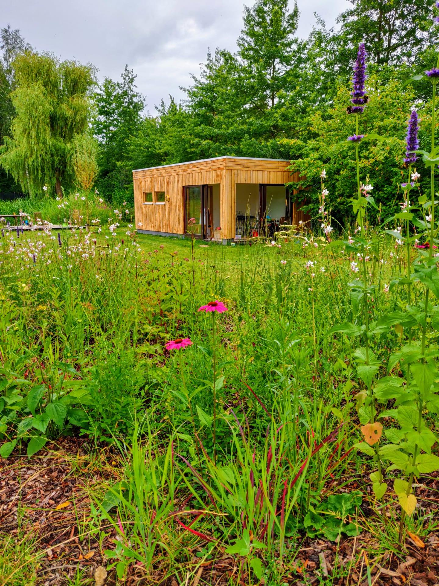 Pavillon de jardin avec chambre de jardin